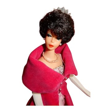 STUNNING First Issue Bruneete Bubblecut Barbie in Complet Sophisticated Lady