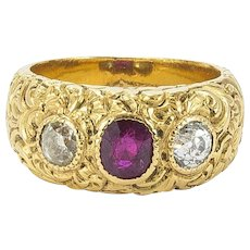 Late Georgian Deeply Chased Gold and Gem-set Ring, c. 1820s