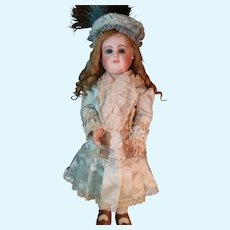 Fine Silk Pale Green Bebe Dress with matching bonnet