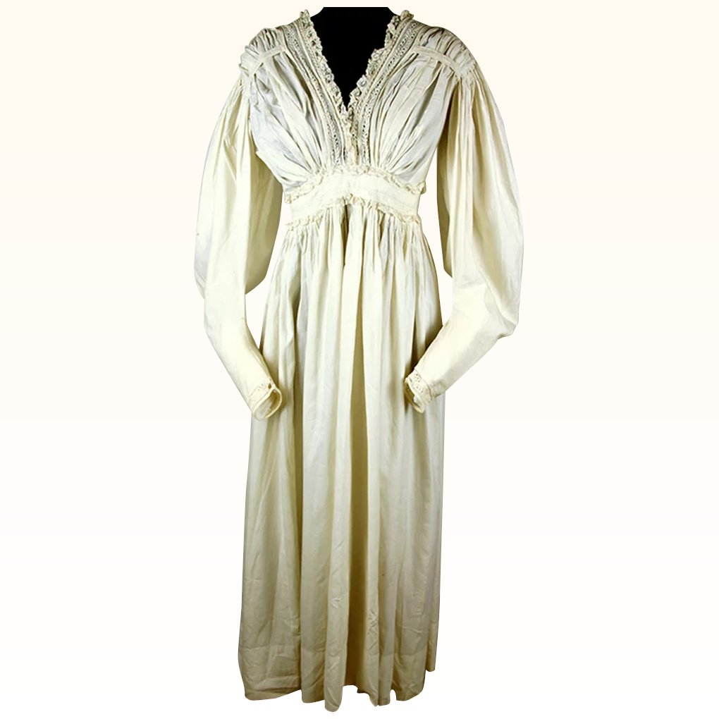 Romantic Silk Regency Gown with Gigot Sleeves and Lovely Lace : The ...