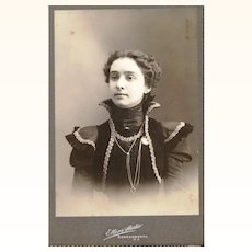 Sepia Cabinet Card of Stylish American Lady wearing Guard Chain & Watch, late 19th Century