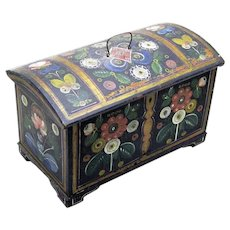 Stunning Norwegian Folk Art Casket from Os District, c1870
