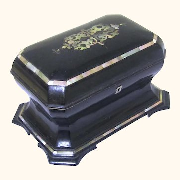 Rare Curve Shaped Papier Mâché Tea Caddy, Victorian