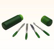 Vintage Green Bakelite Manicure Étui