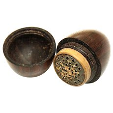 Treen Egg-form Nutmeg Grater, mid-19th Century