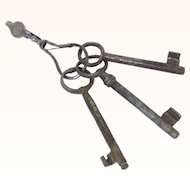Special Steel Key Chatelaine with Three Cast Iron Keys, mid-18th Century