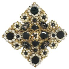 Vintage DeMario Rhinestone Pin - Brooch - add Pizzazz to your Summer Whites