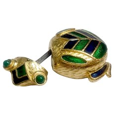Cutest Guilloche Enamel Frog Pocket Measuring Tape: Rosenfeld by Florenza