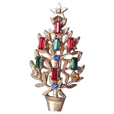 Pretty Vintage Christmas Tree Rhinestone Candles Pin, Book Piece!