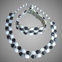 1960's Vintage MOD Black & White Lucite Necklace, Bracelet Set