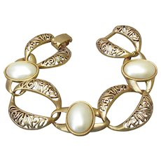Chunky 1950's Vintage Big Faux Pearl & Open Filigree Links Gold Tone Bracelet