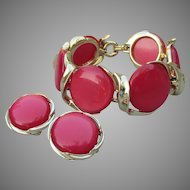 Signed LISNER Large Round Pink/Red Lucite Thermoset Bracelet & Earrings Set