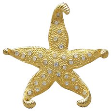 Signed CAROLEE Vintage Big Rhinestone Star Fish Pin