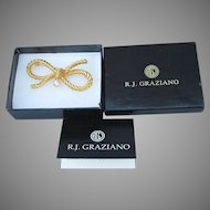 Mint In Box!  R.J. Graziano Vintage Rhinestone Gold Tone BOW Pin