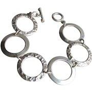 """High Quality 1990's Vintage Large 1"""" Wide Hammered Circle Link Toggle Bracelet, 8"""" Long"""