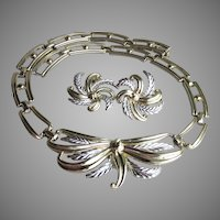 Chunky Palm Leaf BOW 1950's Vintage Necklace & Clip Earrings Set