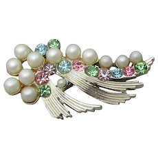 Signed B.S.K. Space Age Modernist 1950's Vintage Rhinestone & Faux Pearl Pin