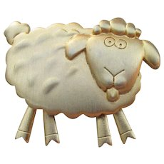 Signed JJ Jonette Jewelry Vintage Articulated Sheep Pin, Moving Feet
