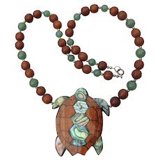 Lee Sands Hono Sea Turtle Paua Shell Inlaid Wood Vintage Necklace, NEW In Box!