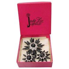 Signed JUDY LEE 1960s Vintage Black Rhinestone Pin & Earrings Set, Mint In Box