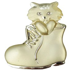 CUTE!  Signed AJC Vintage Cat in a Boot Pin