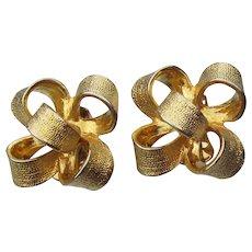 Kenneth Jay Lane Signed KJL Vintage 3-D Gold Tone Bow Clip Earrings