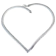 """Sterling Silver """"V"""" Shaped 1970's Vintage 6mm Wide Herringbone Chain Necklace"""
