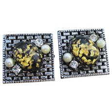 Fabulous 50's Mid-Century Vintage Glitter Lucite Square Earrings