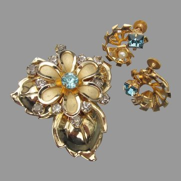 Pretty 1940's Retro Blue Rhinestone Flower Pin & Earrings