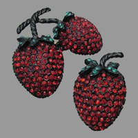 WEISS Unsigned Vintage Strawberry Rhinestone Pins Pendant Set