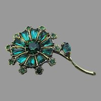 Signed WEISS Emerald Green Rhinestone Vintage Flower Pin
