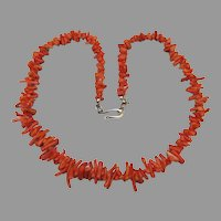 """1970's Vintage Classic 19"""" Branch Coral Necklace"""