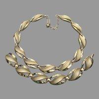 Crown TRIFARI Leaf Link Mid-Century Modern Necklace & Bracelet Set