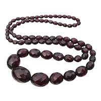 """1930's Vintage Faceted Cherry Amber BAKELITE Bead Deco 30"""" Long Necklace"""