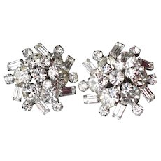 Unsigned WEISS 1950's Vintage Brilliant Rhinestone Clip Earrings