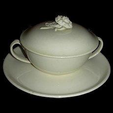 Rare English Creamware Covered Trembleuse, c. 1800