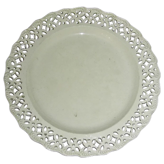 "8"" English Creamware Plate w/ Shell and Pierced Edge, c. 1800"