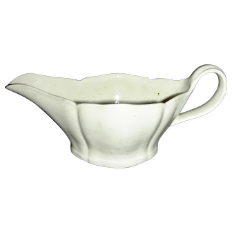 Small & Delicate English Creamware Gravy Boat, c. 1810-1820