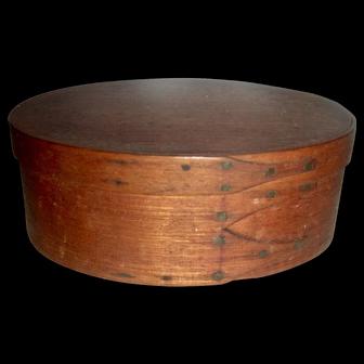 """5 ¼"""" Oval 3 Finger Shaker Box, c. 1880"""