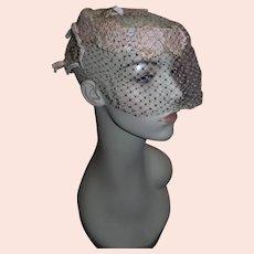 Beautiful women's vintage 1950's Pink Tulle Pillbox Hat!