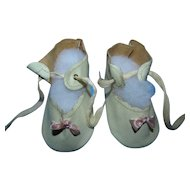 Vintage S.B. Novelty White Oilcloth Baby Shoes with Pink Bows for large Doll Mint in Box!