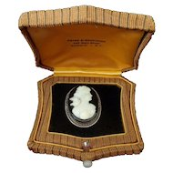 Onyx Cameo 14k gold brooch woman with love bird in original presentation box