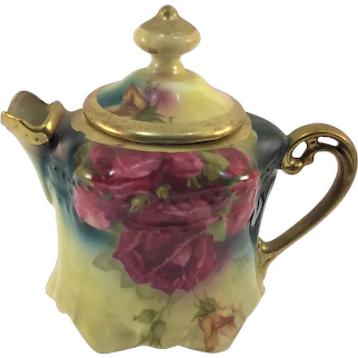 Victorian One Cup Teapot Red Roses Heavy Gold