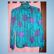 Vintage Nicola 100% Polyester Ladies' Blouse Size 8 Roll Collar/Bow