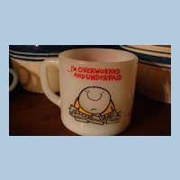 ZIGGY Overworked & Underpaid Mug Tom Wilson 1977 Universal Press