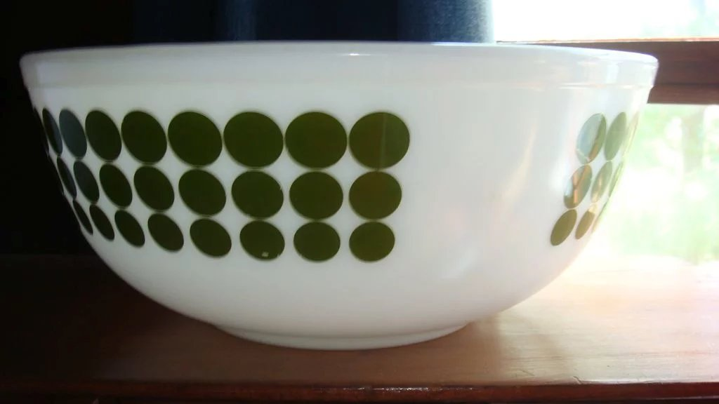 Pyrex 4 Quart Green Dot Hard to Find Bowl Largest of New Dot Mixing ...