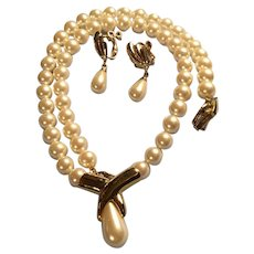 Vintage Napier Faux Pearl and Gold Tone Necklace and Screw on Earrings