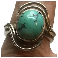 Vintage Sterling Silver Turquoise Cabochon Ring in Swirl Setting Size 6