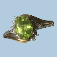 10 K Gold Sterling Silver Peridot Wrap Around Ring Size 7.25 KY Estate