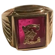10K Gold Mens Signet Ring Ruby Cranberry Red Glass Ribbed Sides Initial Letter E